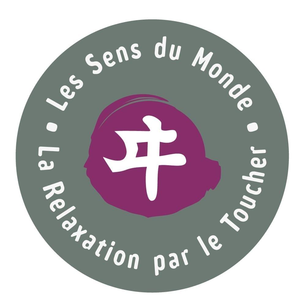 Agence-communication-TIKIO-Conception-Vitrophanie-deplaint-Sens-Du-Monde-Quimper-2016-1