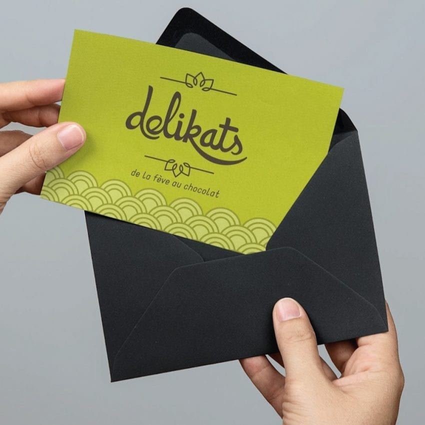 Agence-communication-TIKIO-Conception-Carte-papier-Procop-feves-cacao-DELIKATS-1